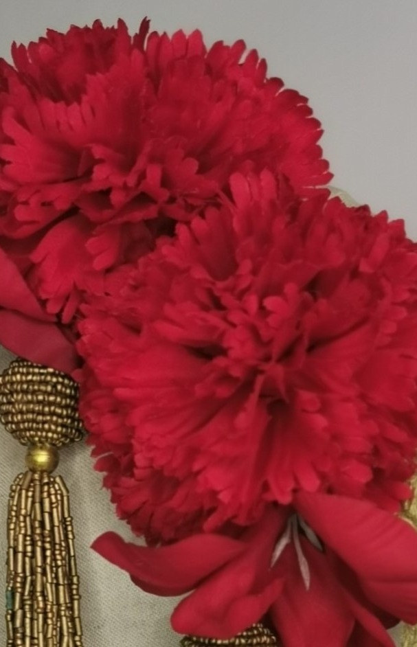 Pair of Red Carnation and gladioli with mesh gold leaf detail