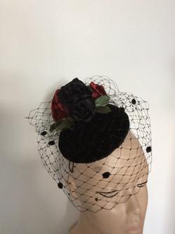 Black silk velvet mini beret_edited.jpg