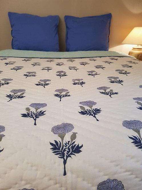 Couvre lit matelassé et imprimésàla main marigold blue