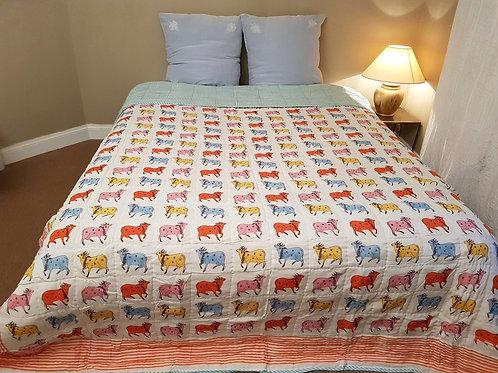 Couvre lit matelassé imprimé à la main vaches turqoiuse claire