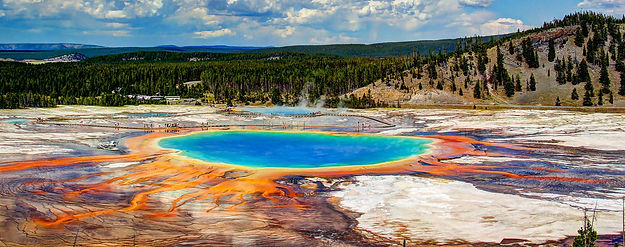 Yellowstone_panorama_2.jpg
