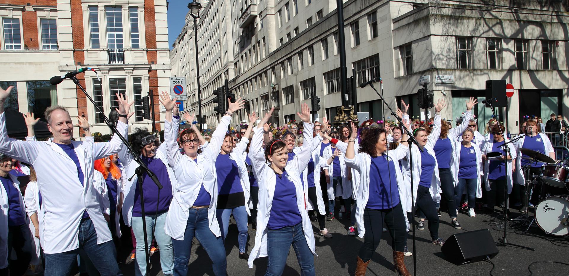 London Show Choir at London Landmarks Half Marathon 2019