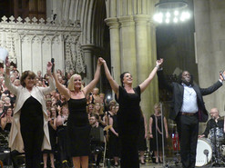 Rosemarie Ford, Kerry Ellis, Pippa D Collins and Hugh Maynard with The Jupiter Singers St Albans Abbey 2019