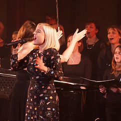 Kerry Ellis and London Show Choir