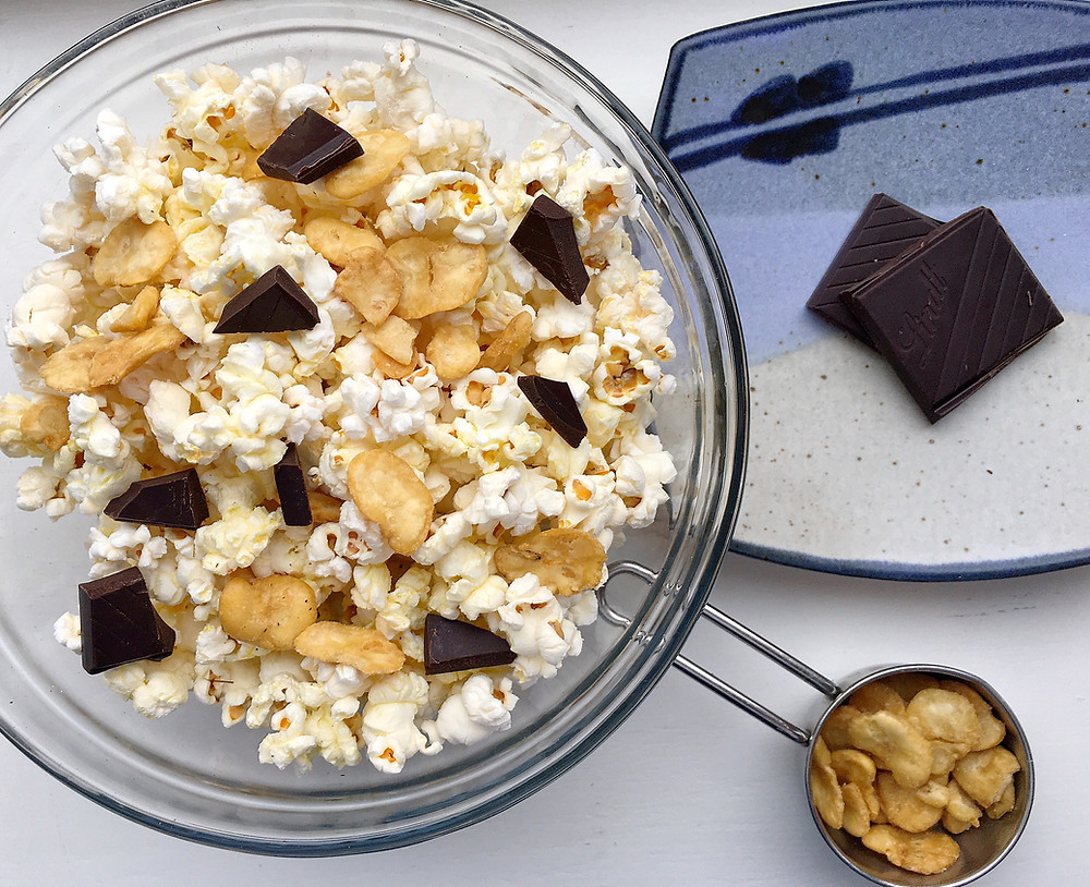 Craving-crusher: popcorn, roasted broad beans and dark chocolate