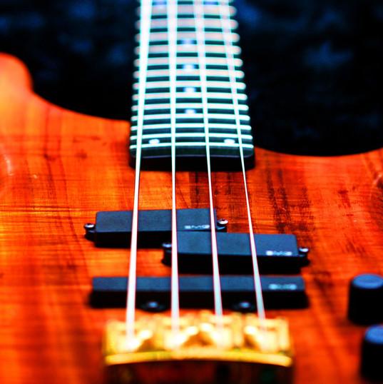 bass-776542_1920.jpg