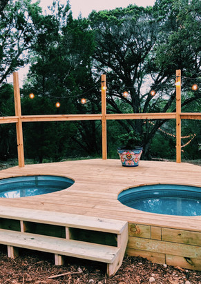Hot tubs-plunge pools at RiverBluff