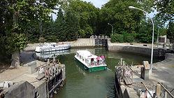 1200px-Écluse,_canal_du_midi_(AGDE,FR34)