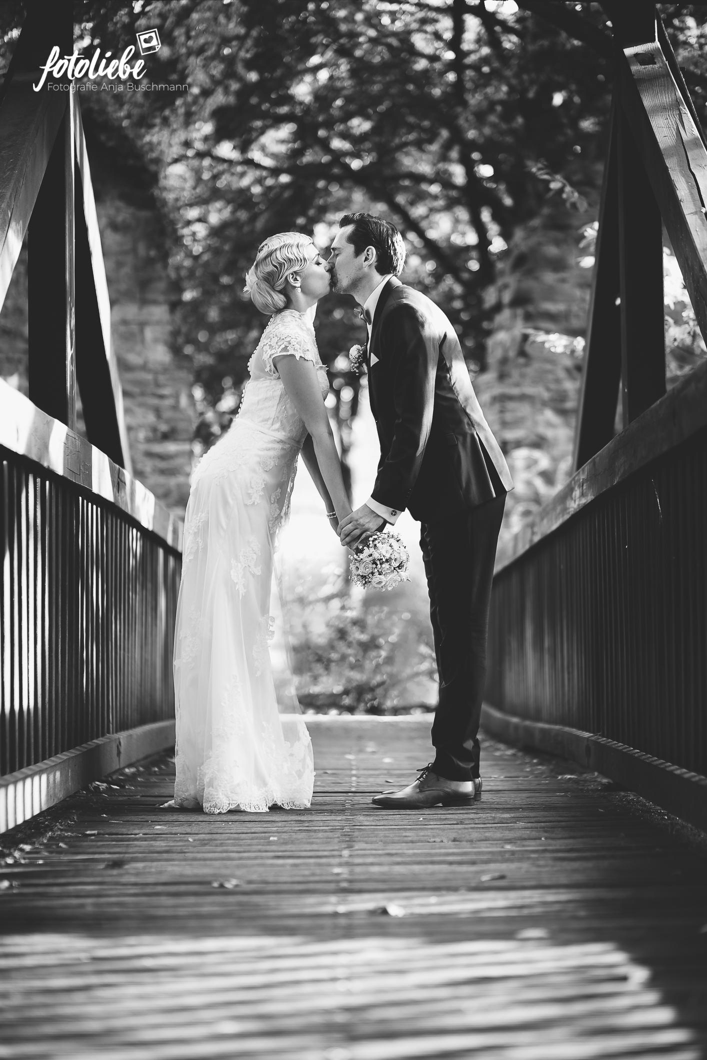 Fotoliebe-Hochzeit-Ratingen-Brautpaar-MikaTobi_007