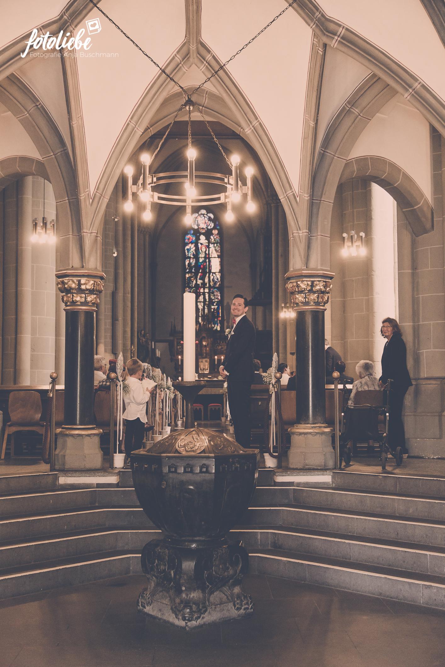 Fotoliebe-Hochzeit-Ratingen-Trauung-MikaTobi_013