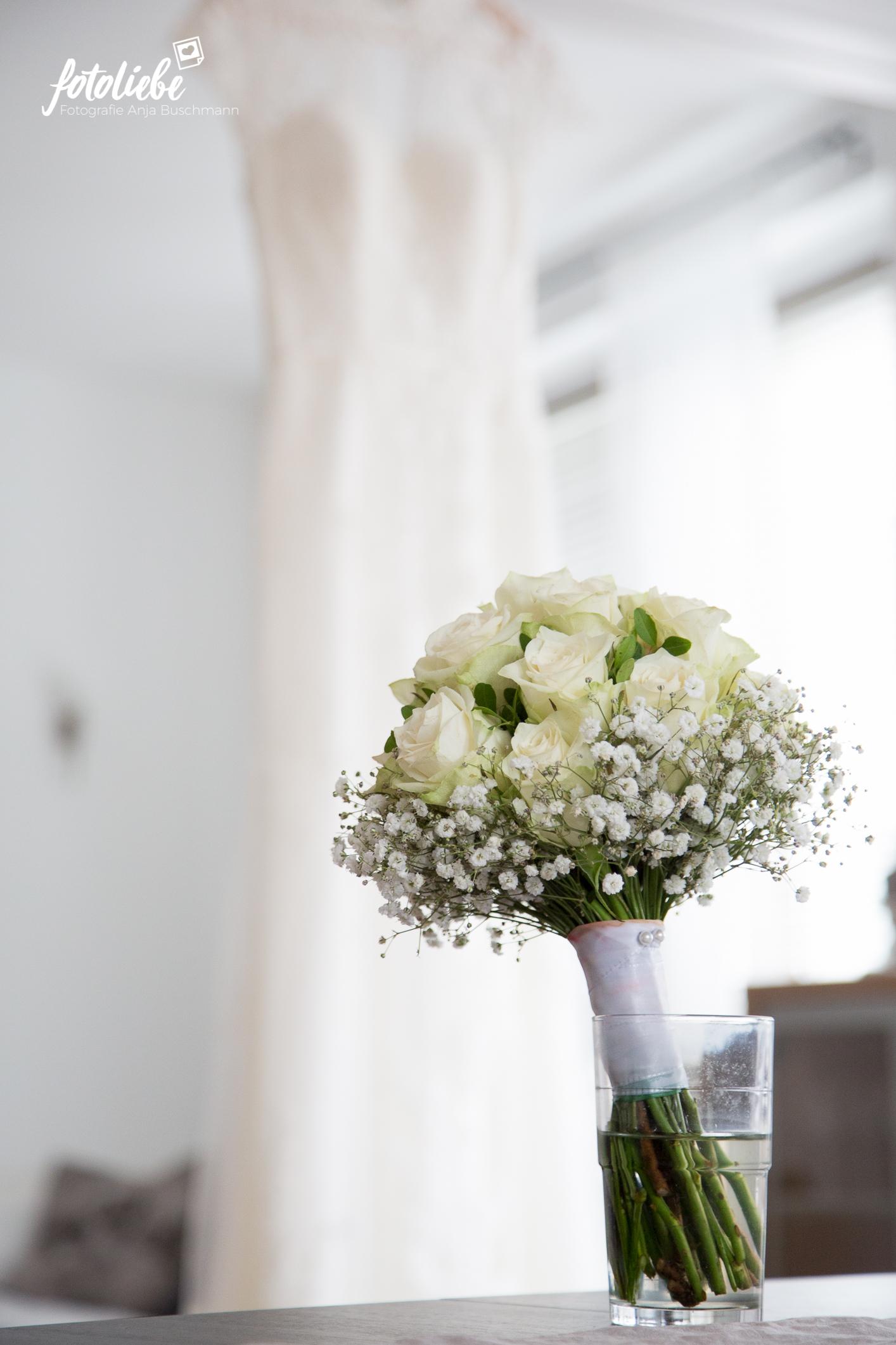 Fotoliebe-Hochzeit-Ratingen-Brautstyling-MikaTobi_019