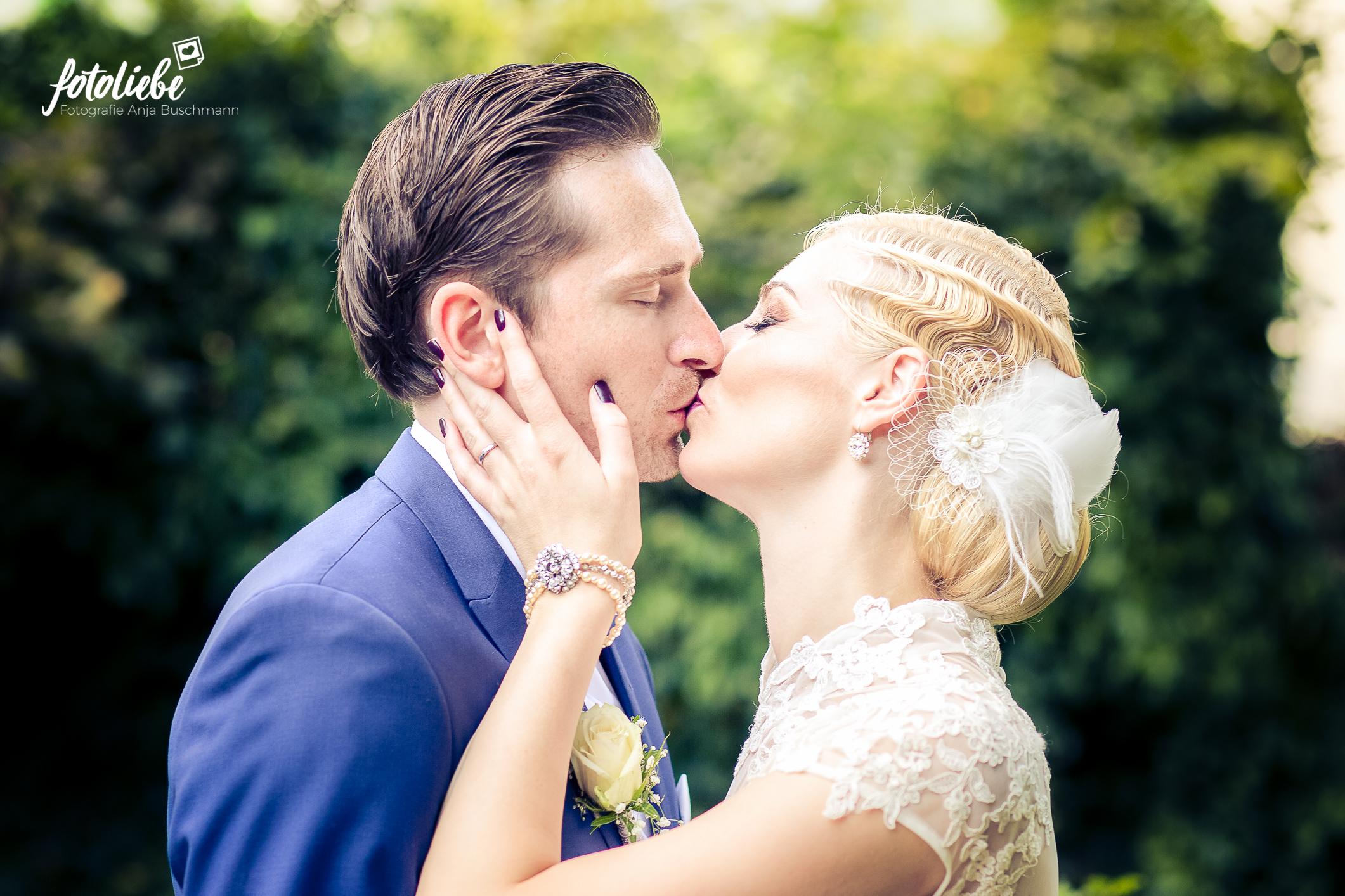 Fotoliebe-Hochzeit-Ratingen-Brautpaar-MikaTobi_012
