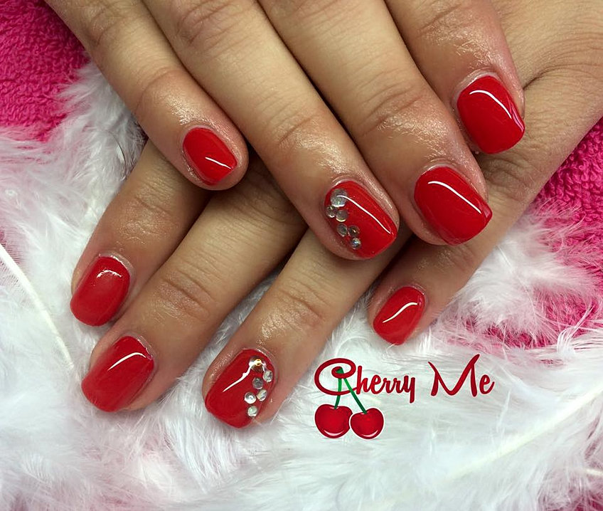 ongles en gel rouge