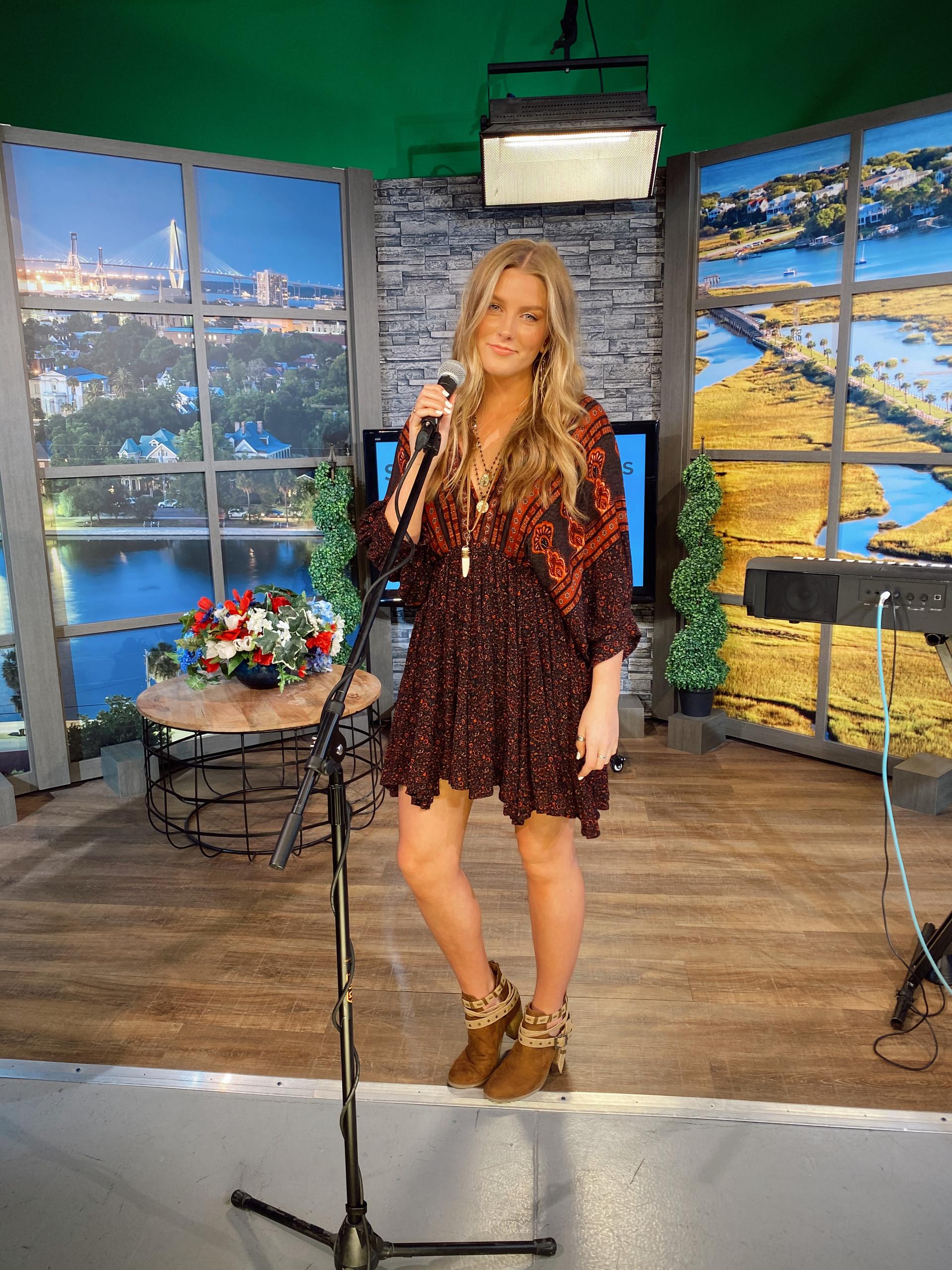 Faith performs for Fox 24 News