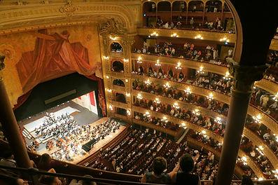opera-594592_1920.jpg