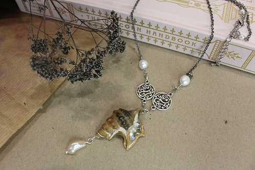 Seashell mermaid necklace with pearls