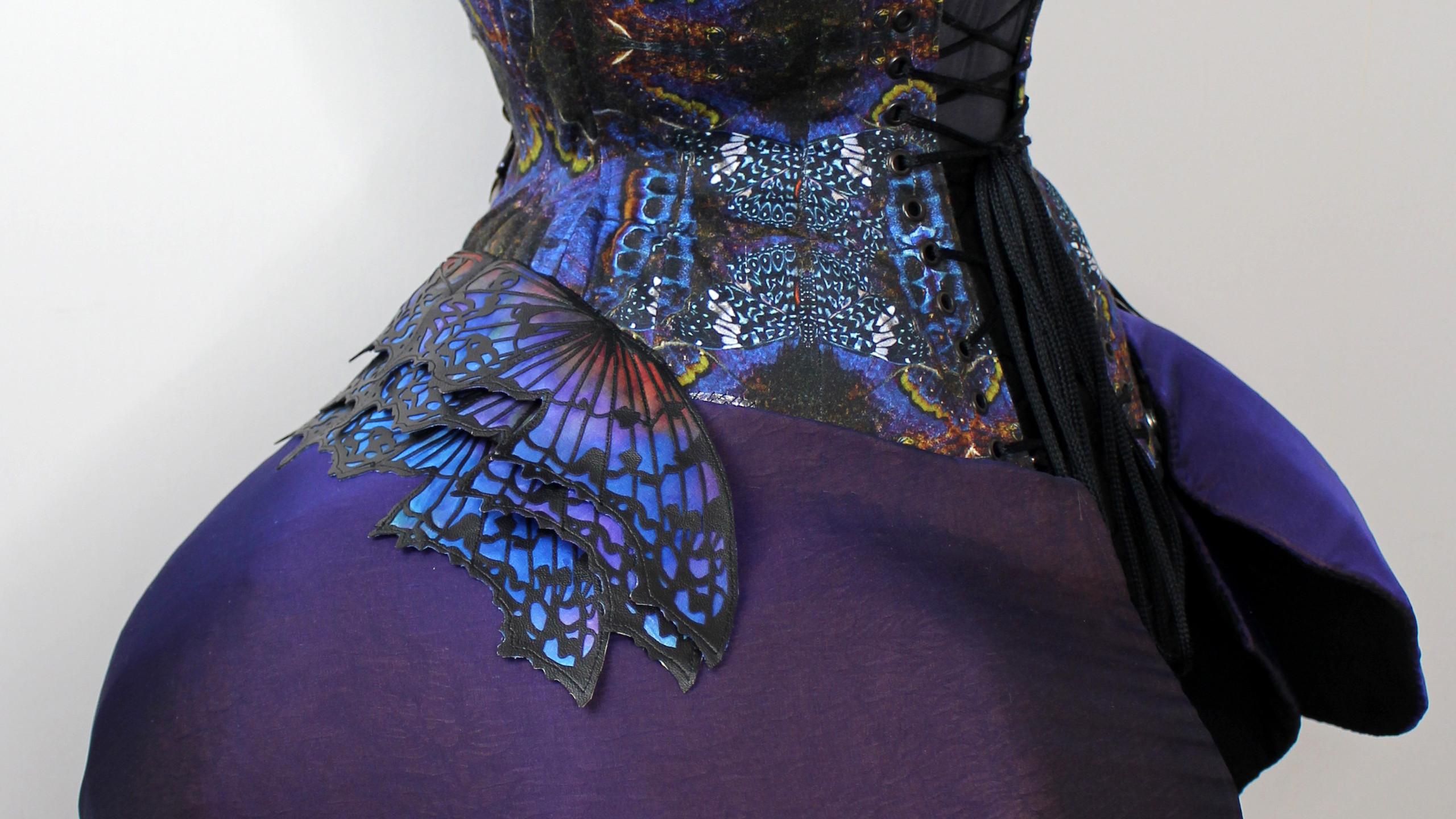 Praying Mantis corset back