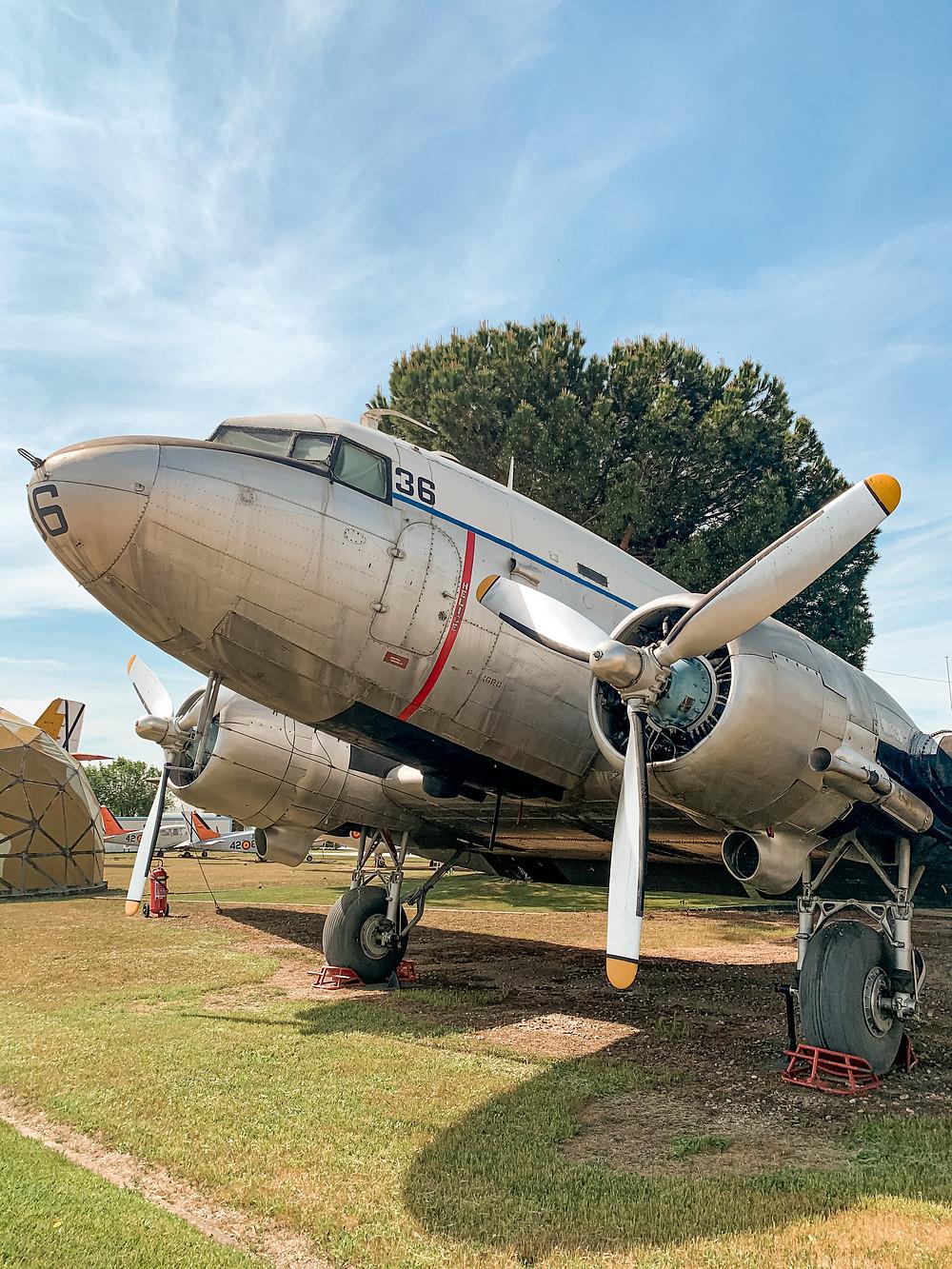 Zona exterior del museo - Douglas DC-3