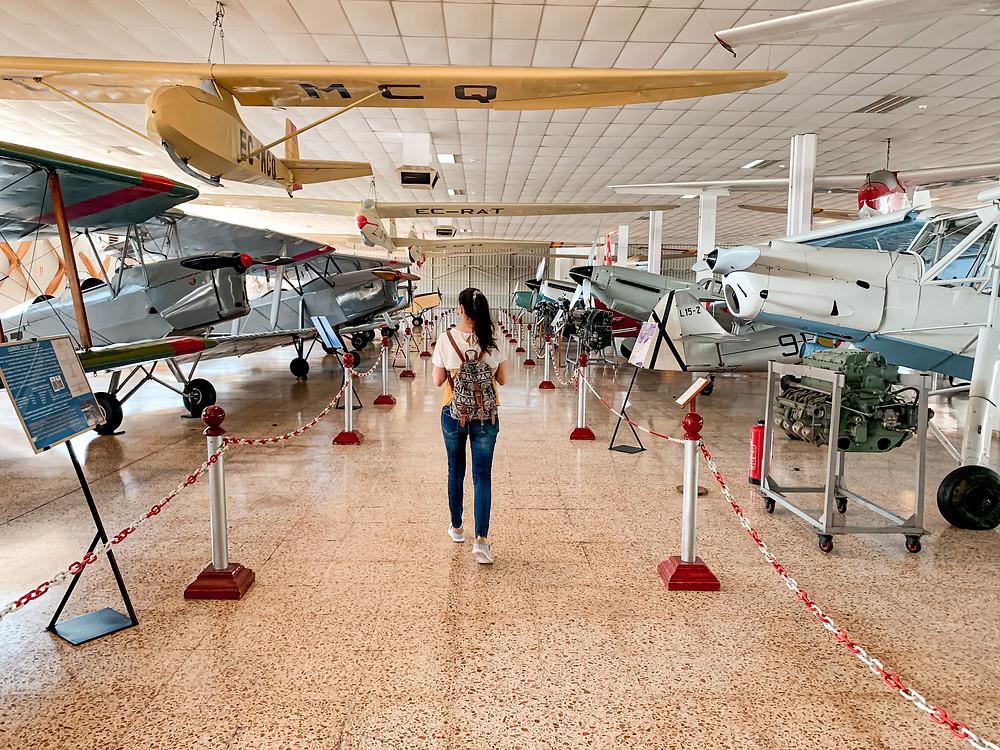 Uno de los hangares del museo