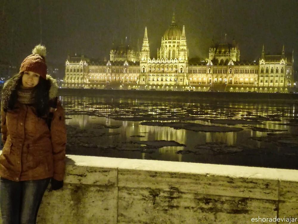 Parlamento de Budapest por la noche