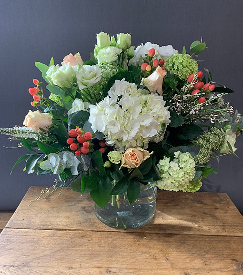 Mother's Day Bouquet - Peach & White