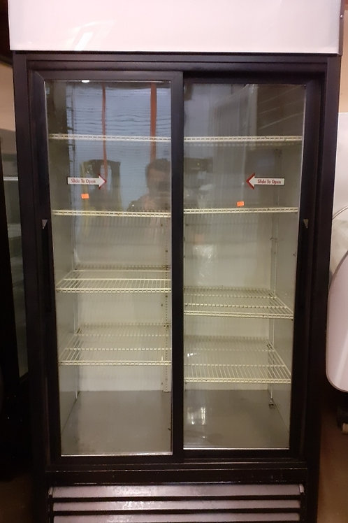 True 2 Sliding glass doors refrigerator 40''