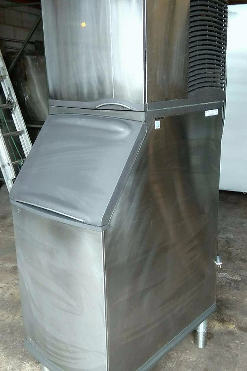 "Manitowoc 400 lb. Water-Cooled Ice Maker-22"" Long"