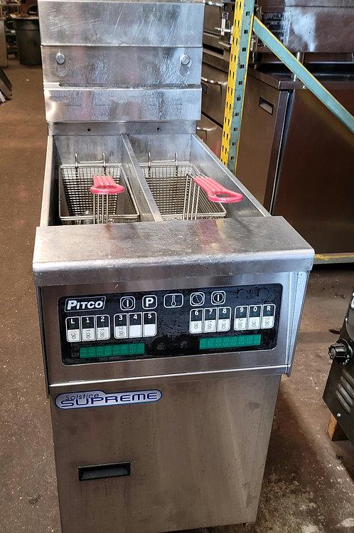Pitco SSH55T Gas Fryer - (2) 25 lb Vats, Floor Model NAT
