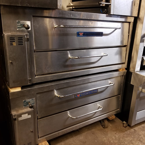 Bakers Pride Oven ,Model:3152,Total size 57''x33'',Deck 24''x47''