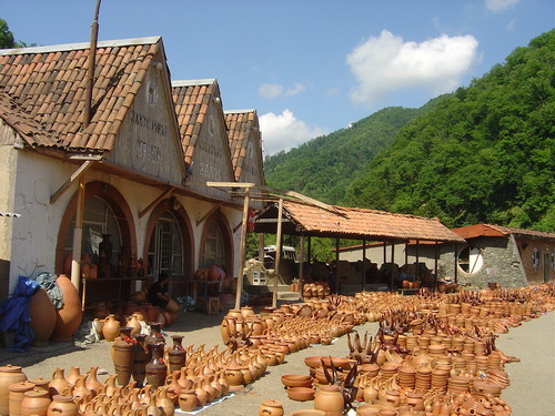 Clay Market on Rikoti Pass