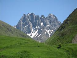 chaukhi mountains