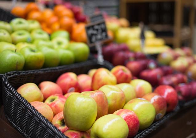 apples-on-farmers-market-picjumbo-com_ed