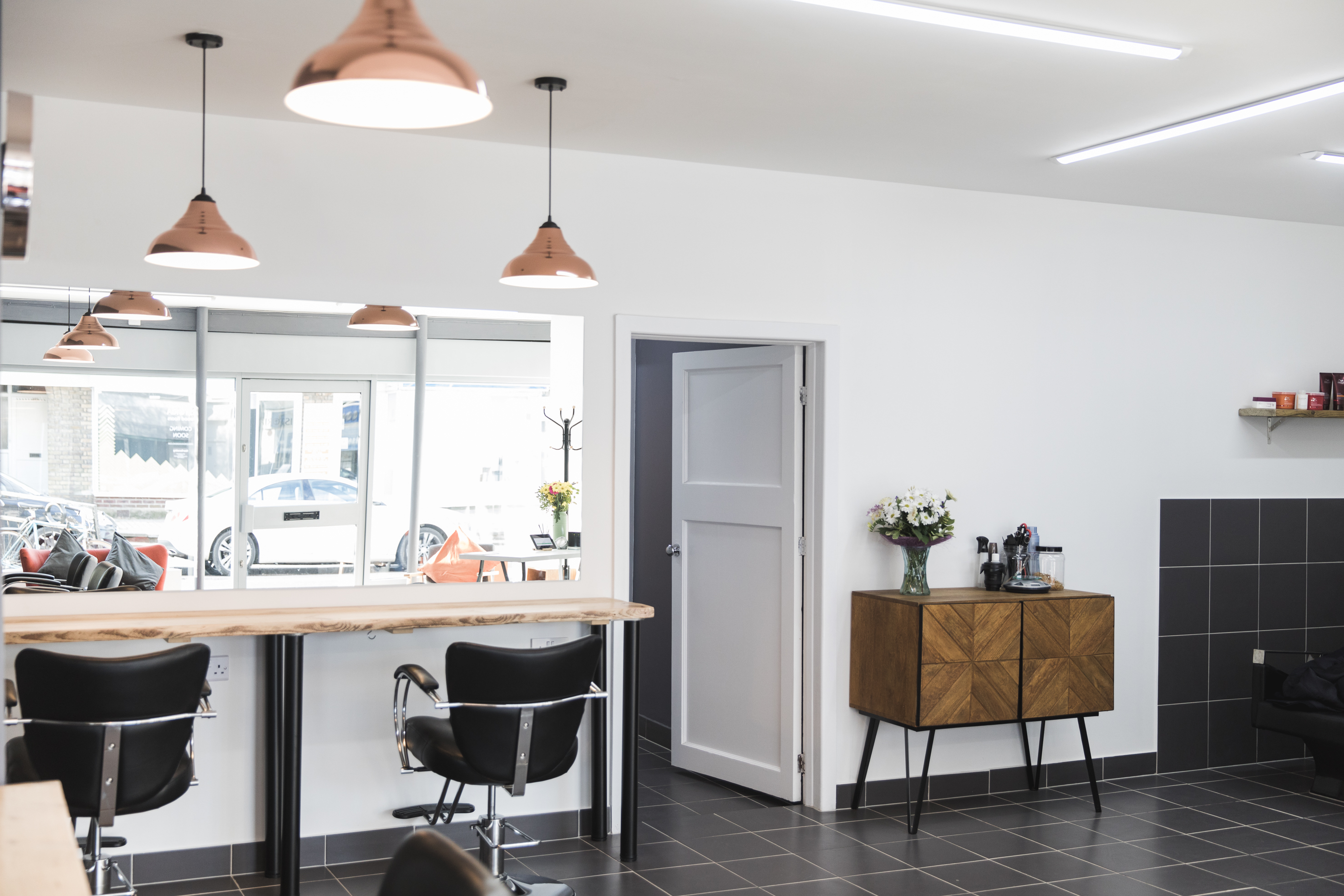 Relaxed space for hair extensions