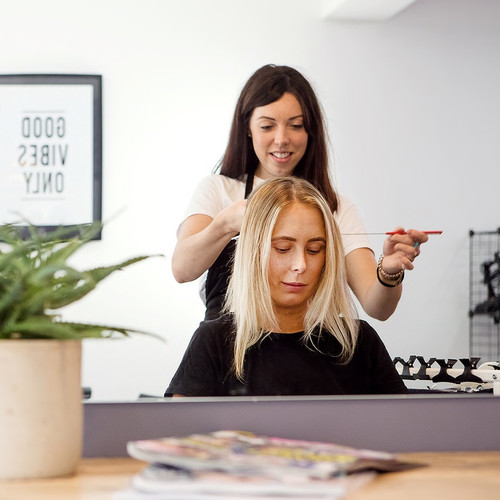 Application of hair extensions