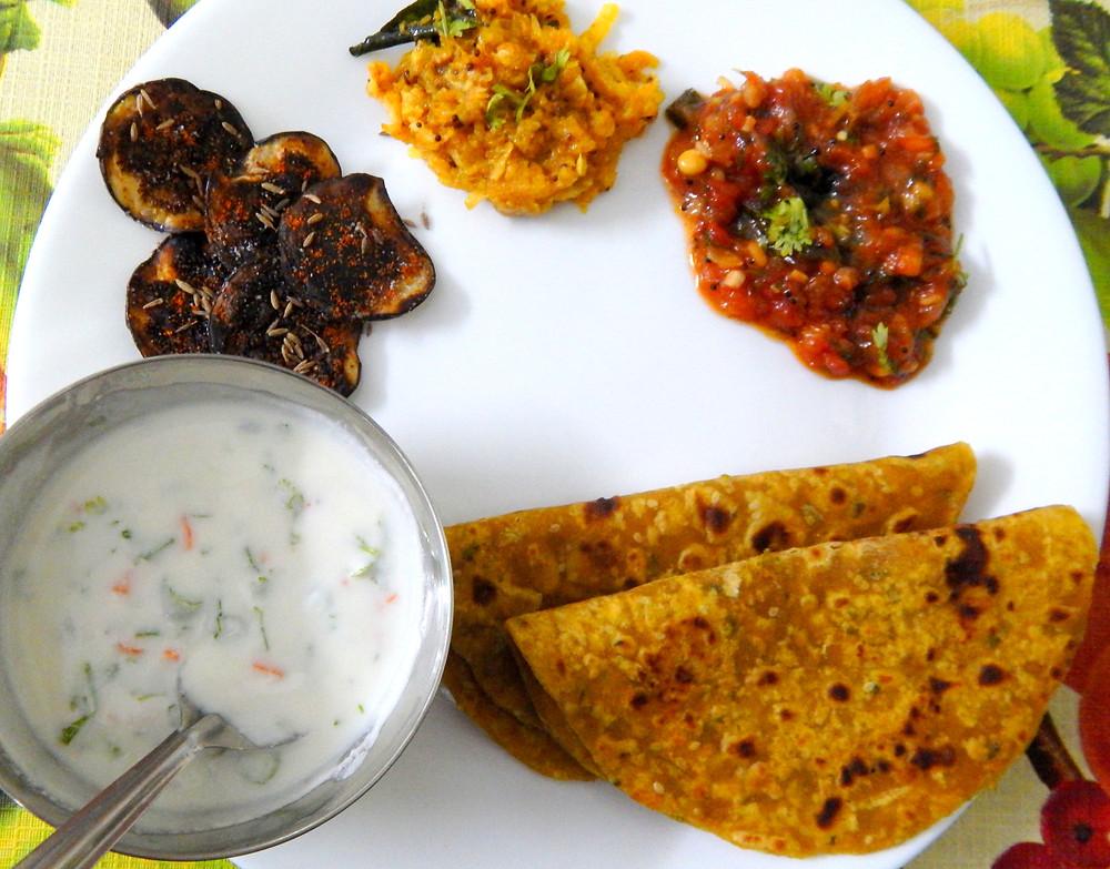 Thepla recipe in hindi- टेस्टी ठेपला घर पे बनाने की रेसिपी जाने 2021  