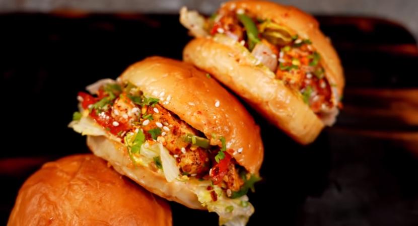 Peri Peri Burger-पेरी पेरी बर्गर बनाना सीखे हिंदी में | THEFOODFEED