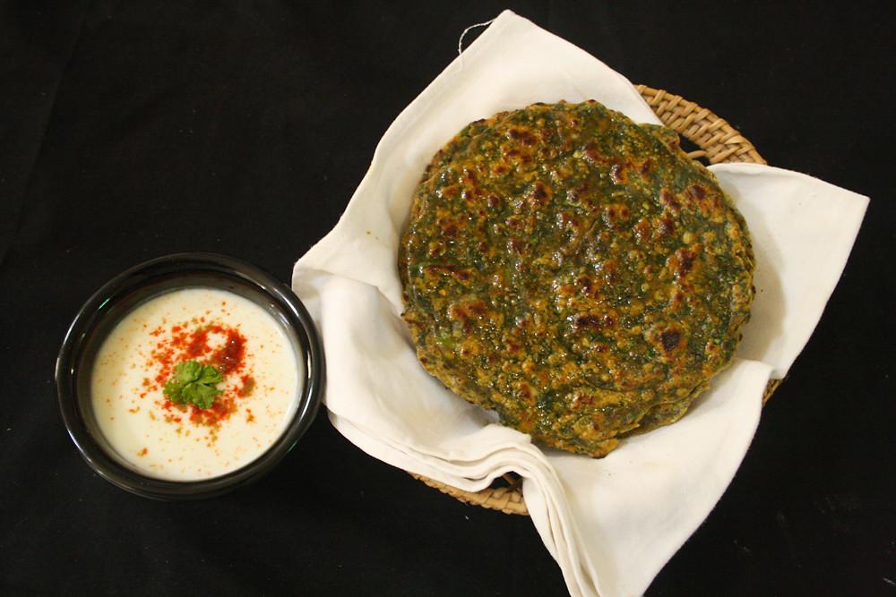 Palak paratha- पालक पराठा रेसिपी हिंदी में - The Food feed 2020.