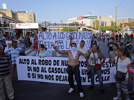 """La ira por el """"mega gasolinazo"""" enciende a 29 estados y la CDMX; Peña en silencio, de vacaciones…"""