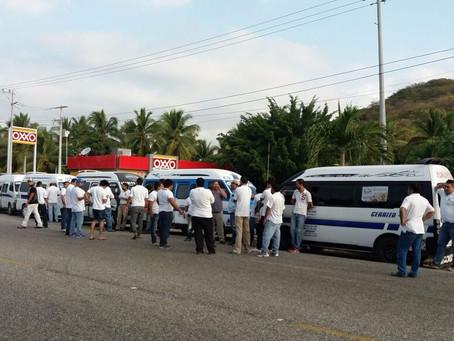 Transportistas de la Costa Grande inician cierre de gasolineras por 12 horas