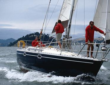 Equipaggio in barca a vela
