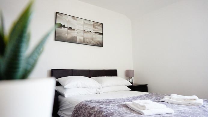 Main Bedroom 6(4).JPG