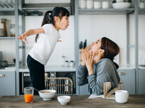 家有青少年,面對孩子的情緒,父母該如何應對和溝通?