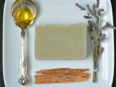 Tuft Woolen soap Lavender.jpg