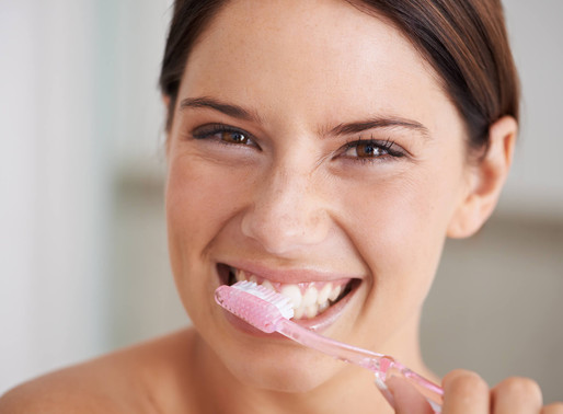 Cuidados com a saúde bucal: o passo a passo para o sorriso perfeito
