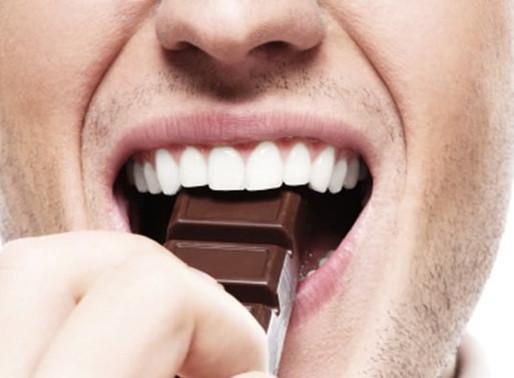 Curta as delícias da Páscoa sem colocar a saúde bucal em risco