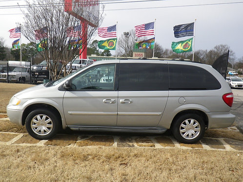 2006 Chrysler Town & Country Silver