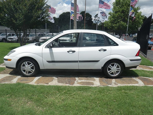 2003 Ford Focus White