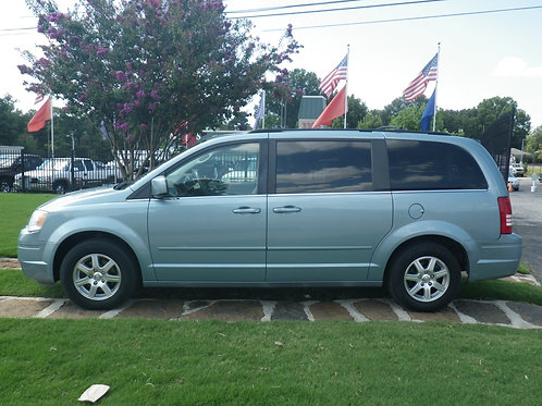 2008 Chrysler Town & Country Blue