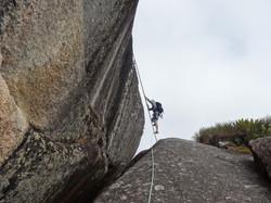 Escalada de acesso ao cume