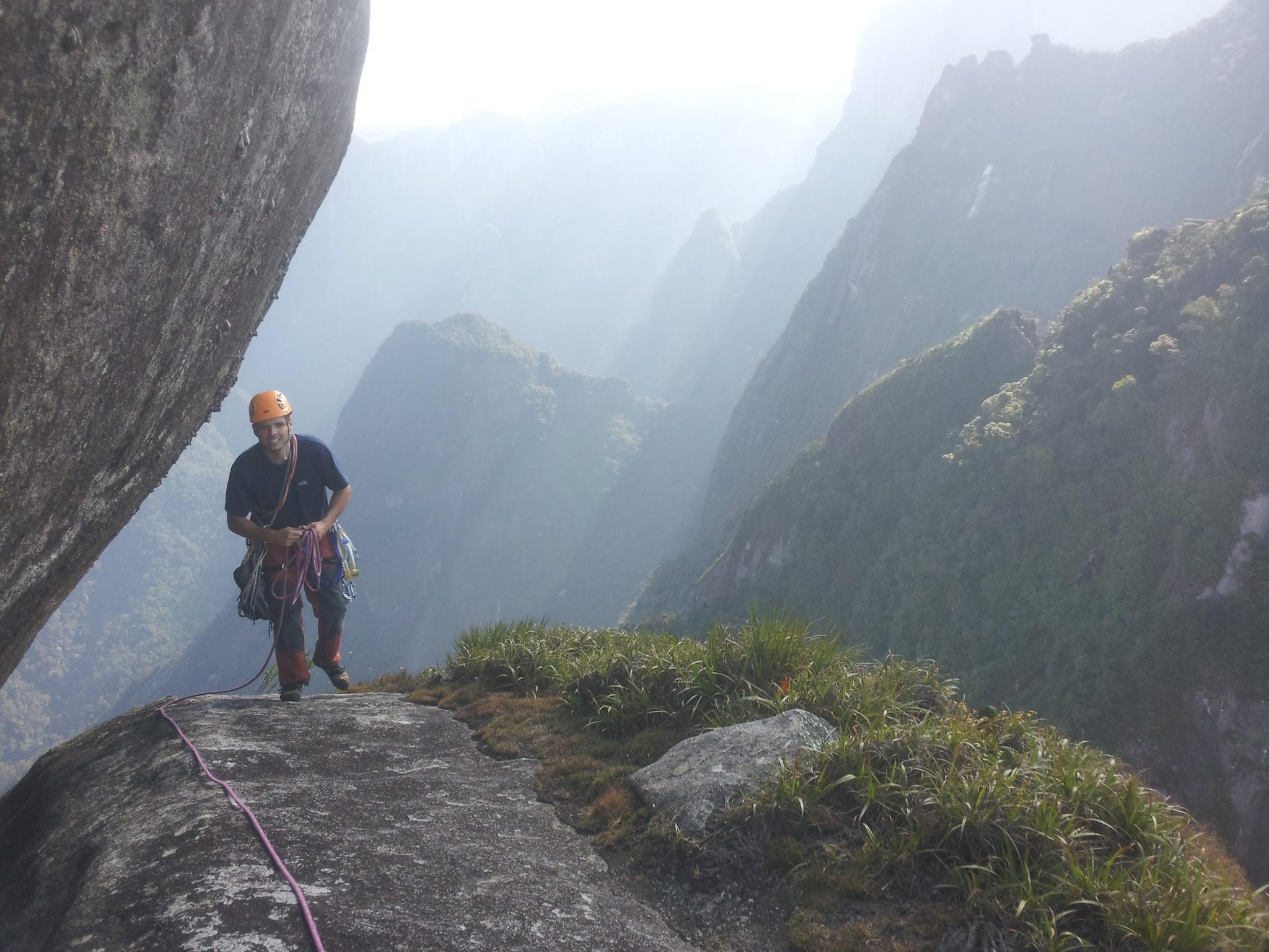 Platô da escada de acesso ao cume